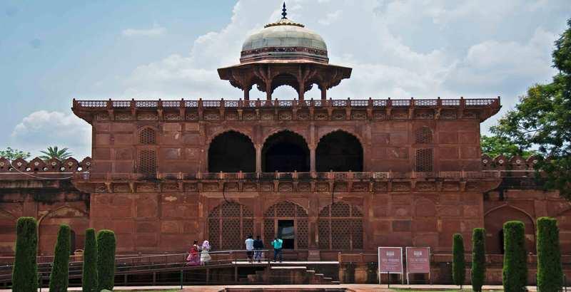 Exterior Image of Taj Mahal Museum