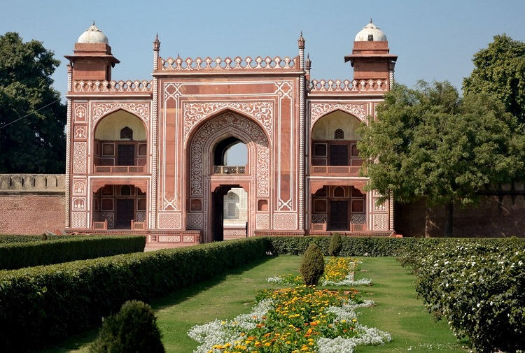 Gateway of Tomb of Itimad-Ud-Daulah