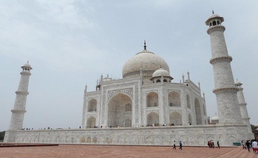 Summer view of Taj Mahal
