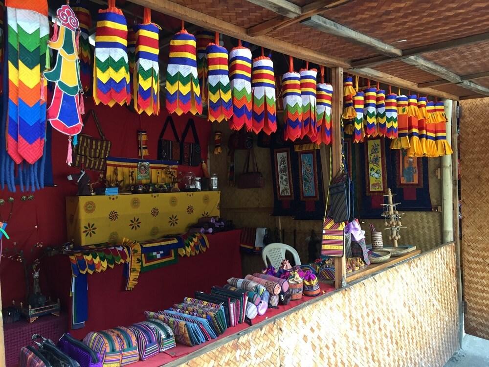 Handicraft Shopping