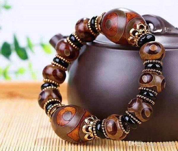 Dzi Beads Jewelery, Bhutan