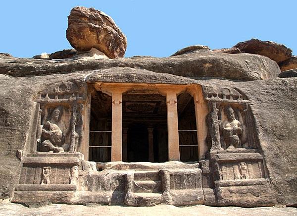 Ravana Pahadi Cave