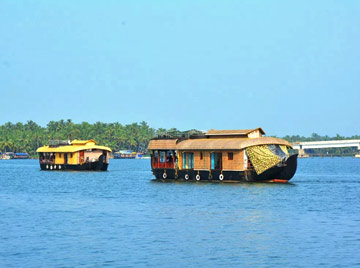 12 Days - Golden Triangle with Kerala Backwater Tour