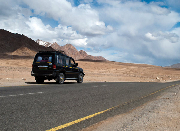 Manali Leh Jeep Safari