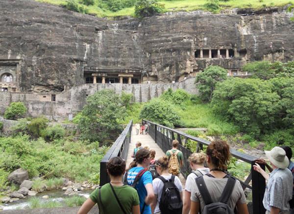 Mumbai City & Elephanta Caves Day Tour