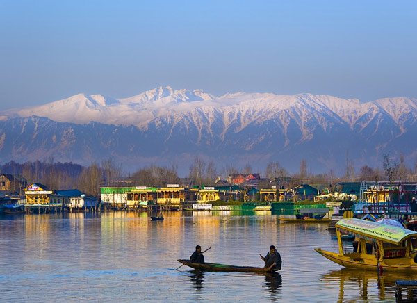 Shikara ride at Srinagar