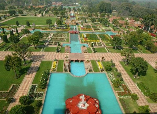 Mughal Gardens Kashmir
