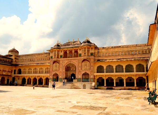 15 Days - Historical Palaces and Havelis Tour