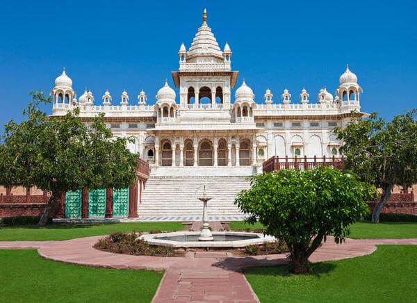 10 Days Rajasthan Tour with Only Luxury Hotels