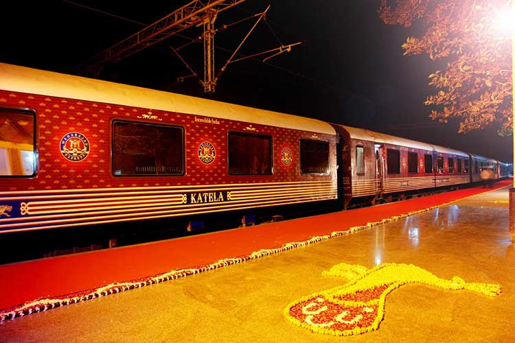 Maharajas Express tour From delhi