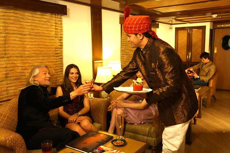 Safari Bar of Maharajas Express