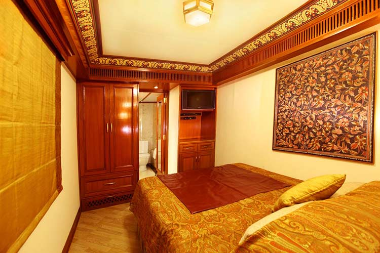 Maharajas Express Suite Cabins images