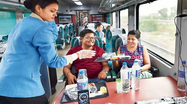 Agra Tour by Gatmaan Express