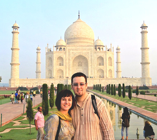 Taj Mahal, Agra Tour from Mumbai with Return flights