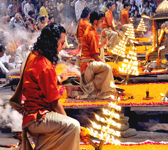 Varanasi : Day Tour with Guide & Evening Aarti (Worship)