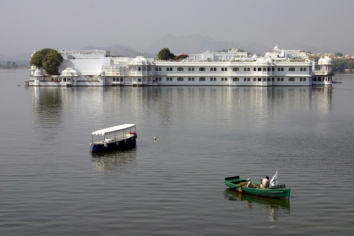 Lake Pichola Boating in Udaipur