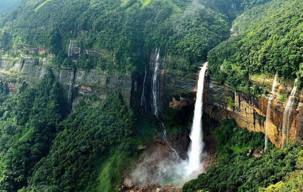 Nohkalikai Waterfall, Shillong