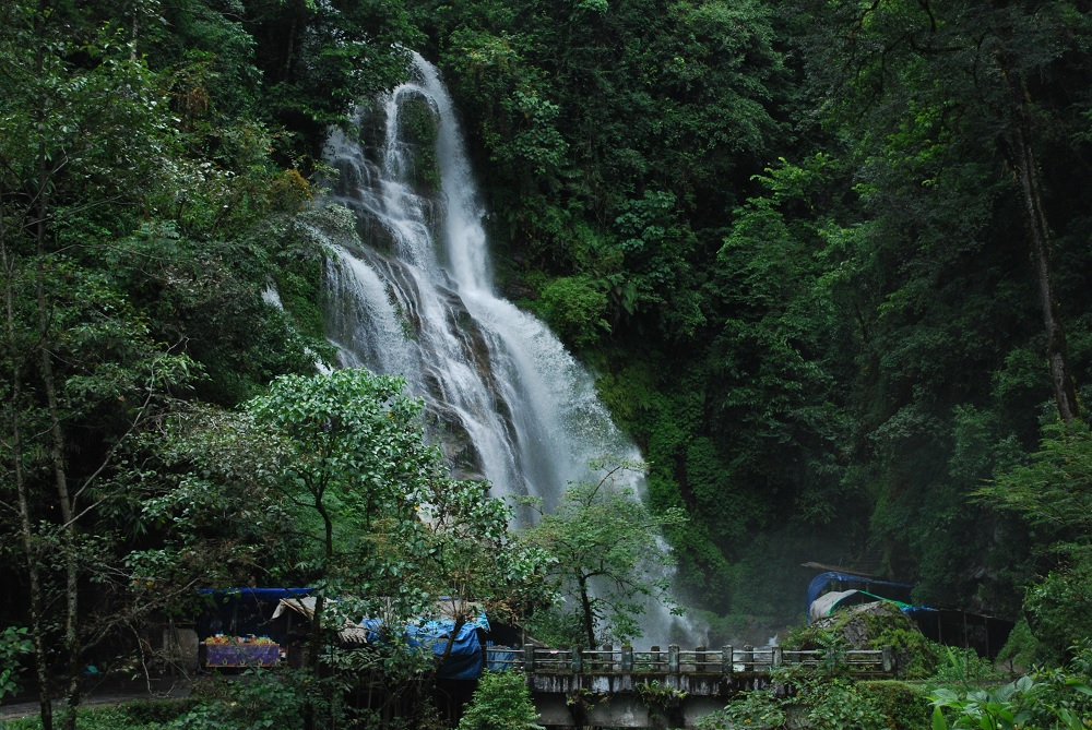 Rimbi Waterfall Pelling