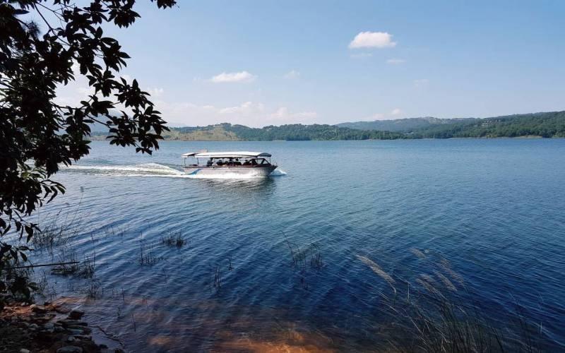 Umium Lake, Shillong