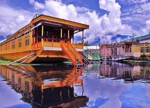 4 Nights 5 Days Kashmir Houseboat Tour Package - Itinerary, Sightseeing