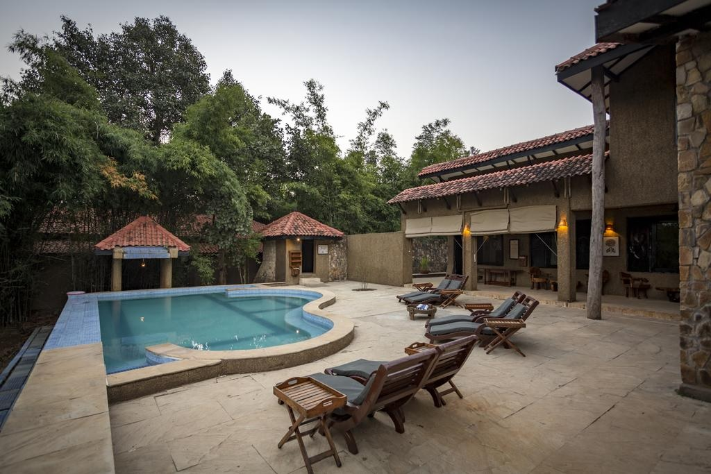 Kings Lodge Bandhavgarh Pool