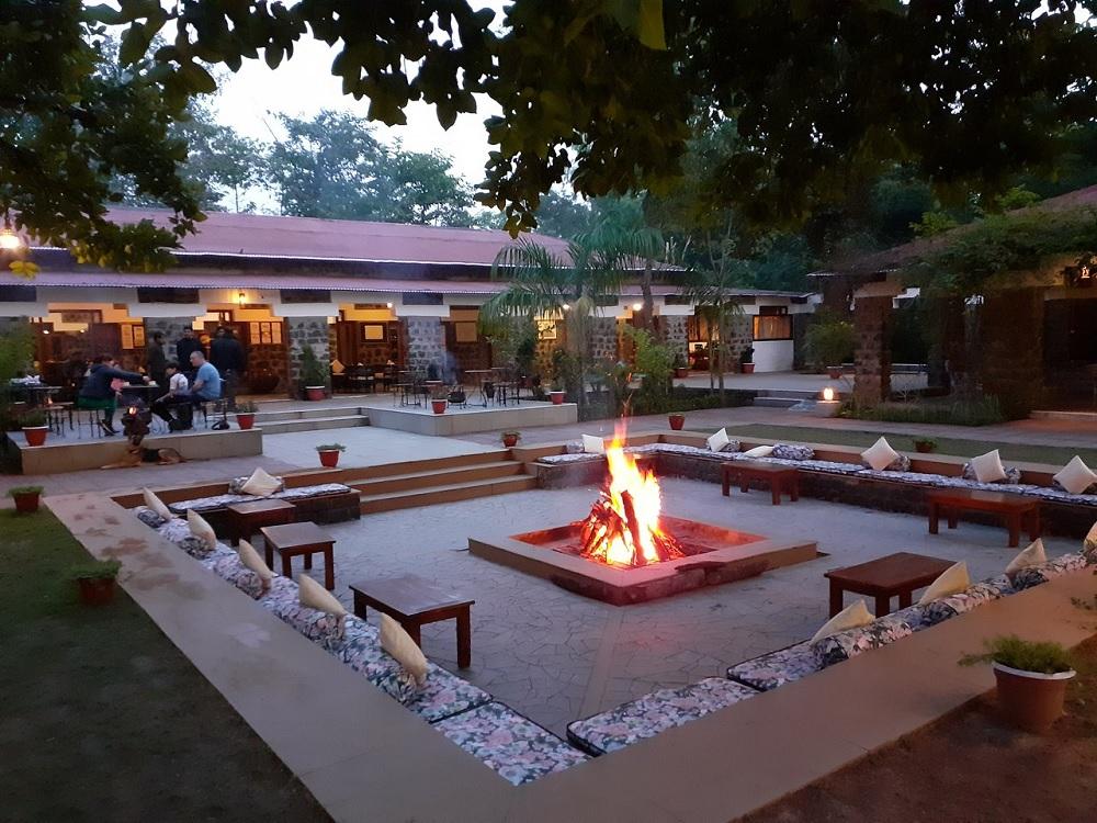 Bandhav Vilas Bandhavgarh Dining Area