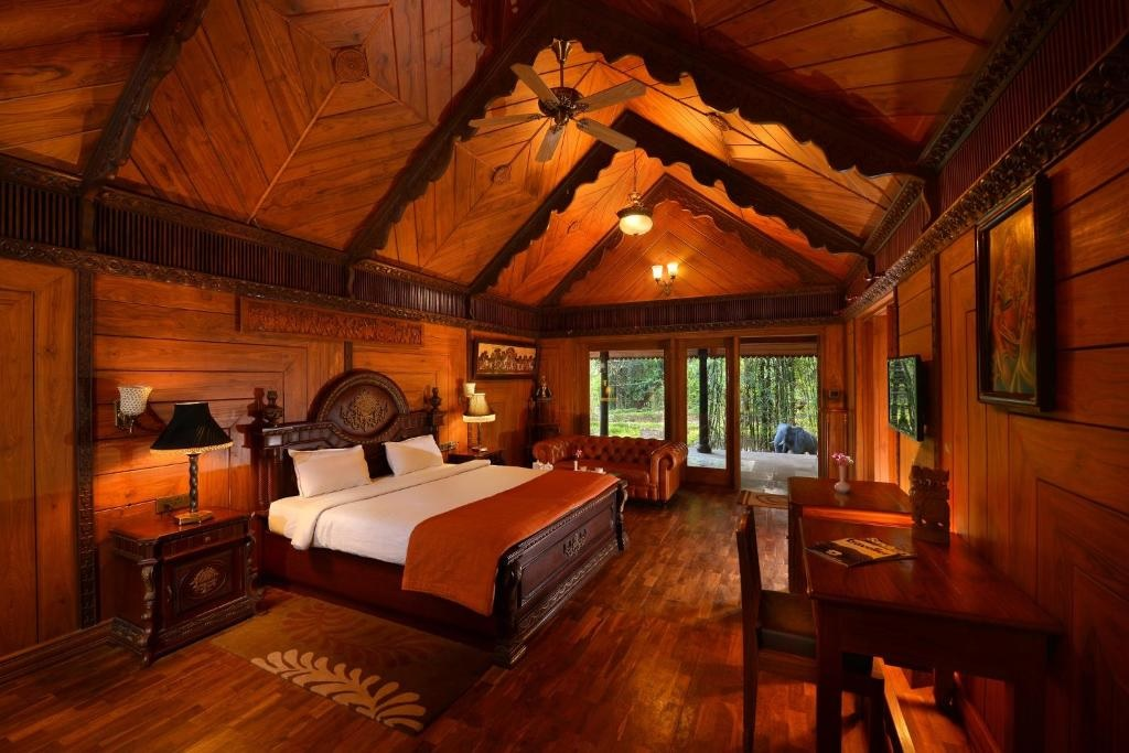 Syna Tiger Resort Bandhavgarh Theme Based Cottage Room