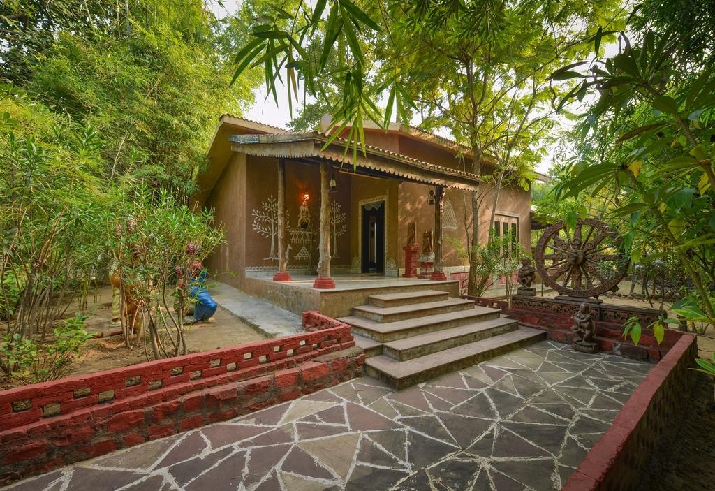 Syna Tiger Resort Bandhavgarh Theme Based Cottage2