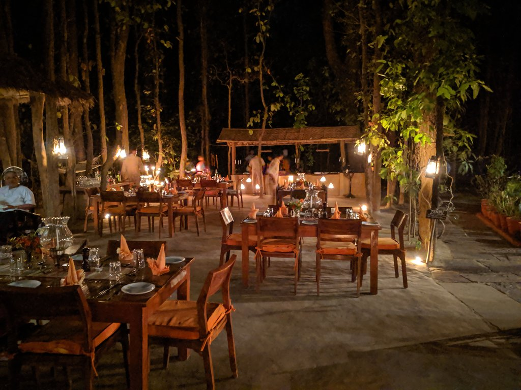 kahna lodge restaurant