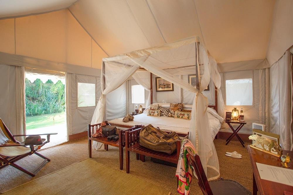 Sujan Sherbagh Resort Luxury Tent Bedroom