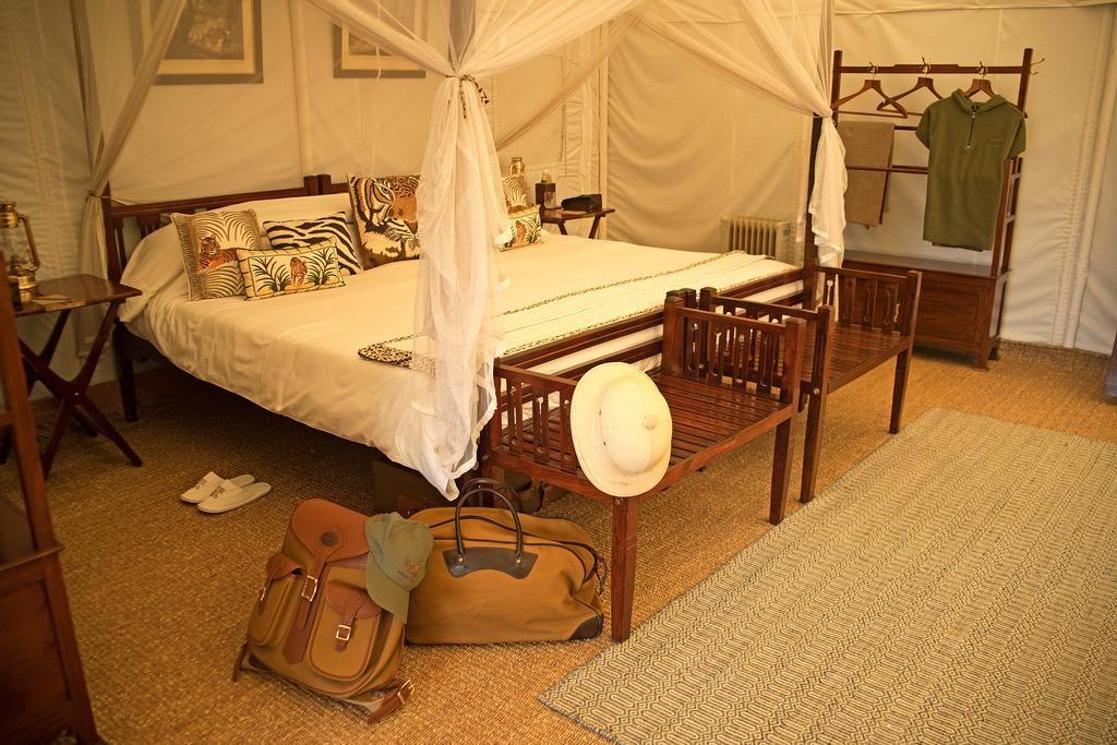 Sujan Sherbagh Resort Luxury Tent Bedroom2