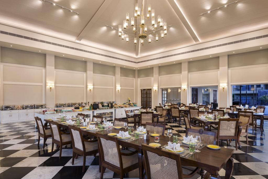 Sawai Vilas Ranthambore Dining1