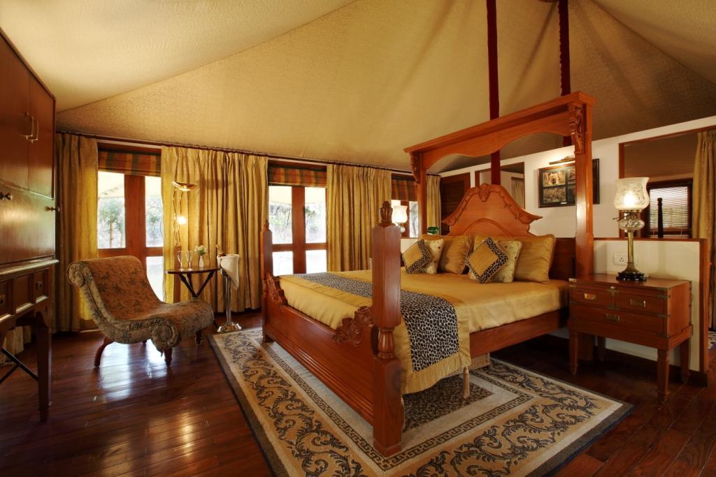 tent-interior