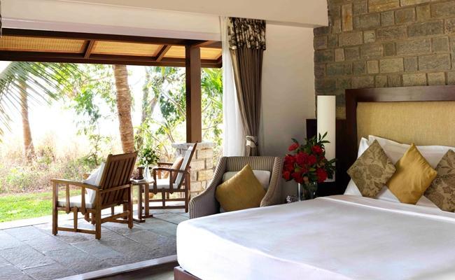 the-serai-kabini-water-verandah