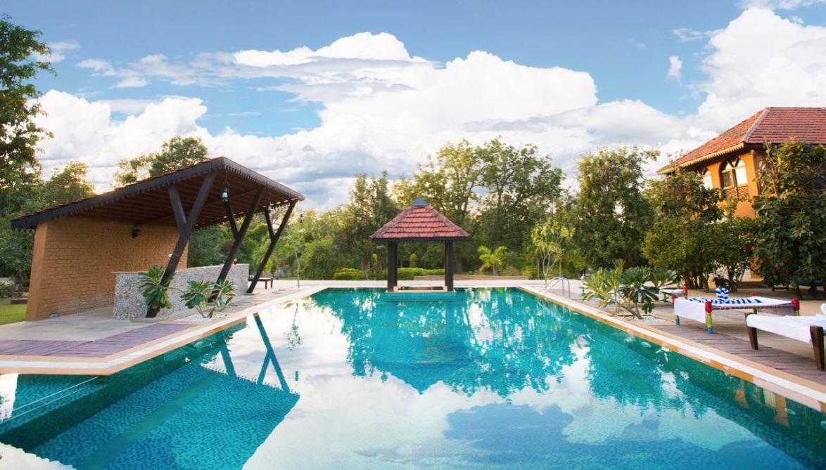 swimming pool vannraj resort