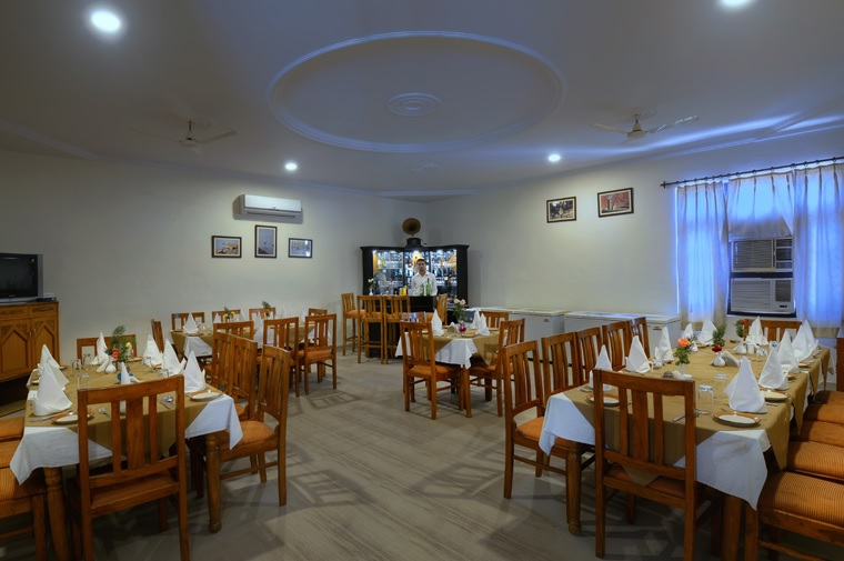 Tiger Den Resort Dining Bar