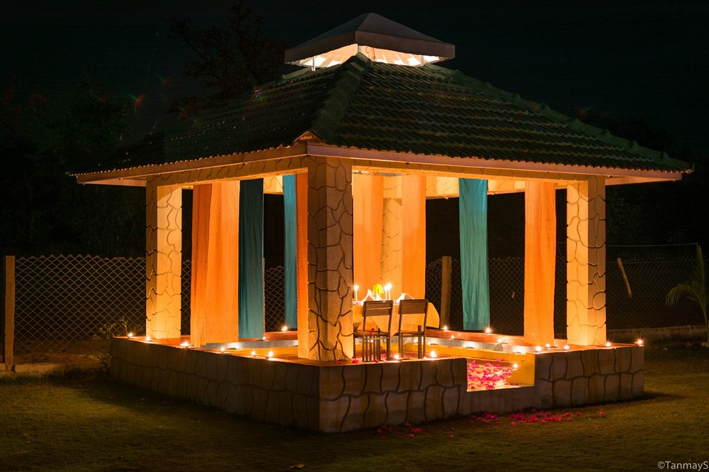 village machaan resort candle light