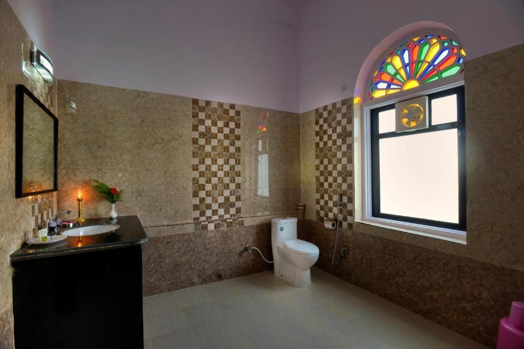 Ranthambore Heritage Haveli Deluxe Bathroom