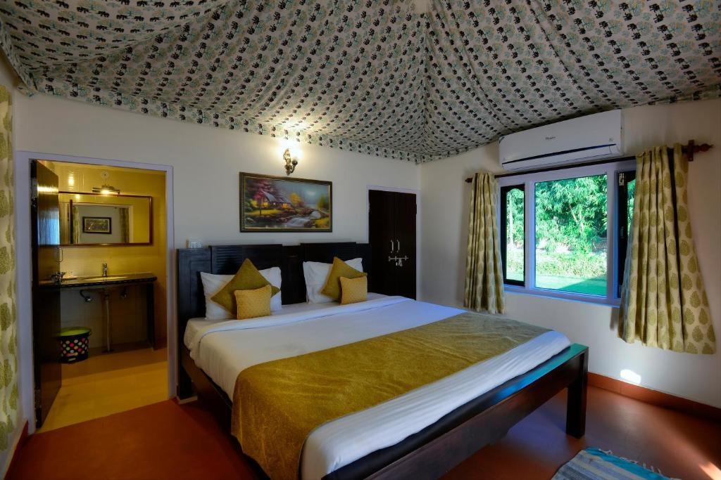 Ranthambore Heritage Haveli Deluxe Bedroom