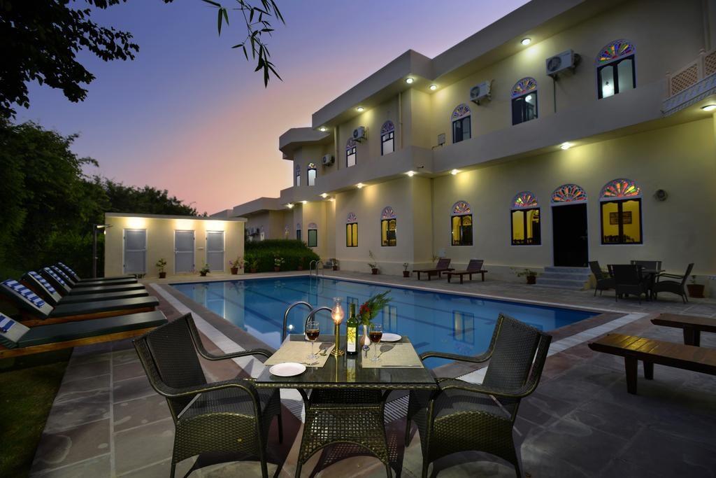 Ranthambore Heritage Haveli Pool Dining