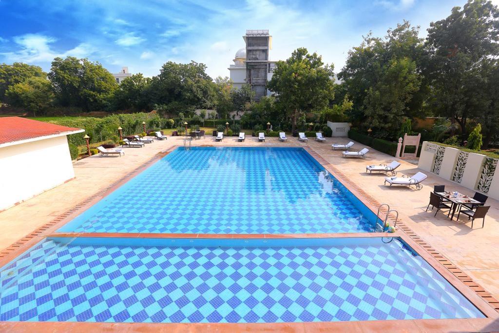 Regenta Resort Vanya Mahal Pool