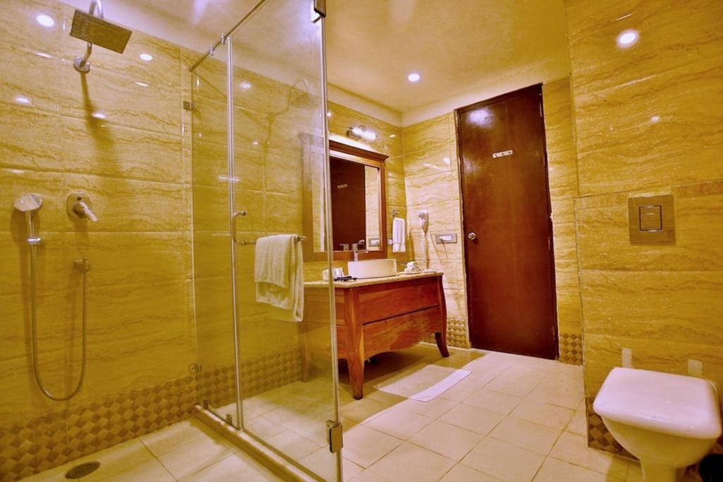Regenta Resort Vanya Mahal Premium Room Bathroom