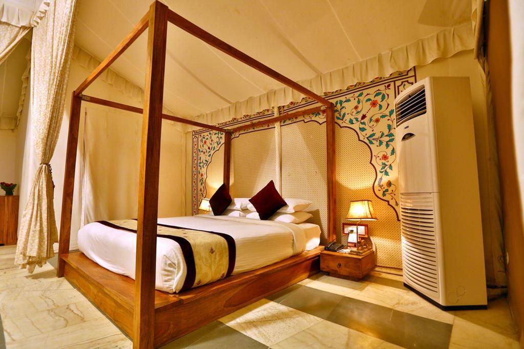 Regenta Resort Vanya Mahal Rajputana Tents2