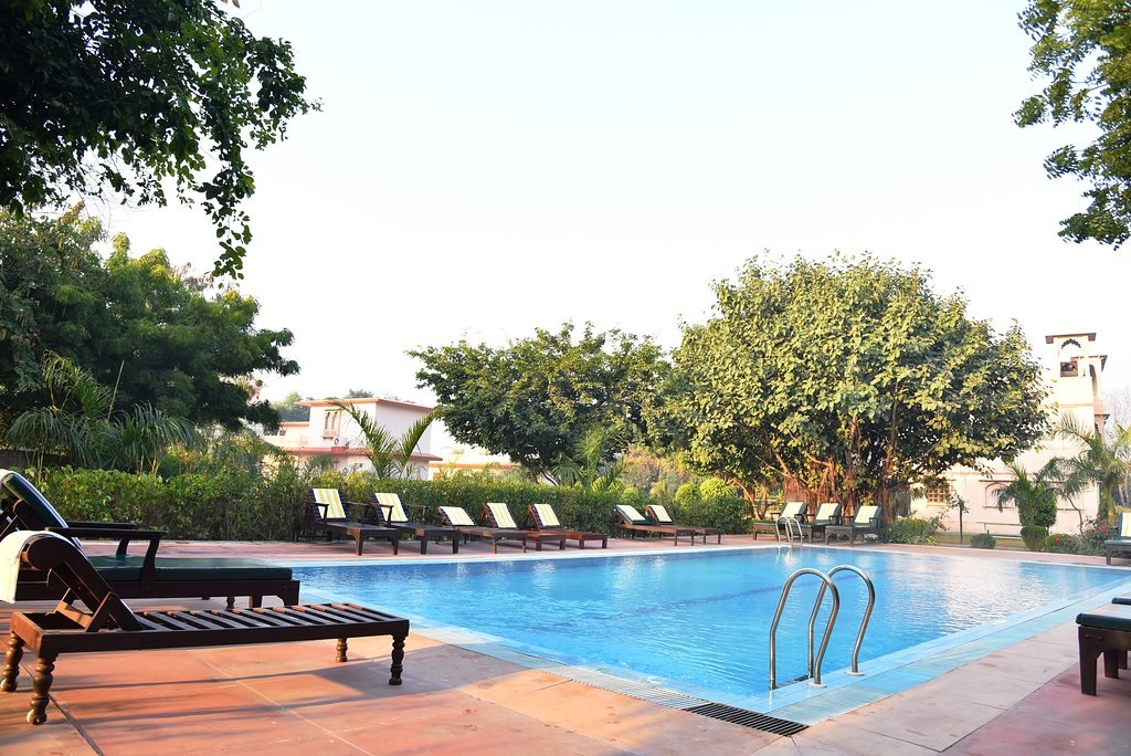 Shergarh Resort Ranthambore Swimming Pool