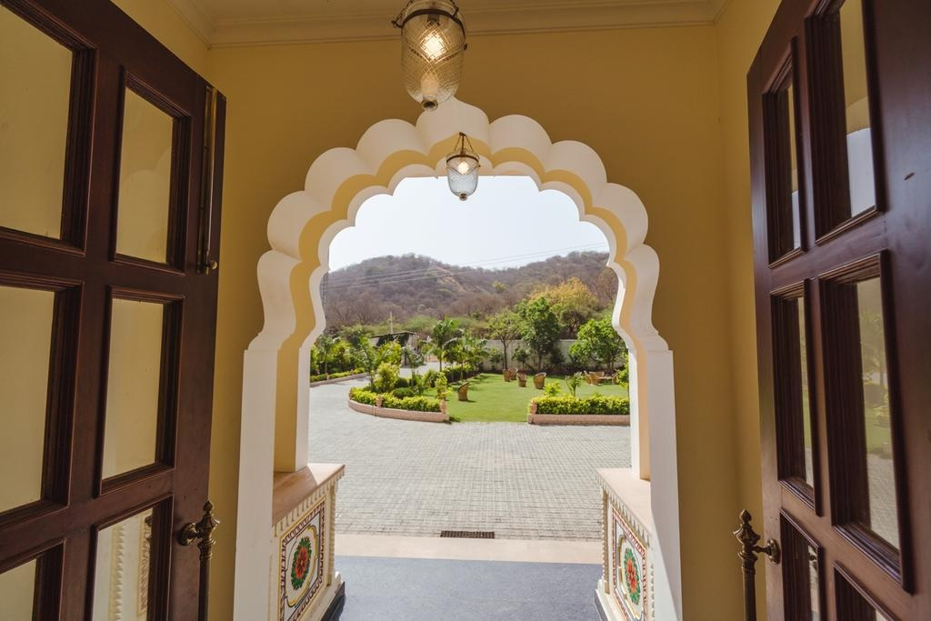 WelcomHeritage Mount Valley Resort1