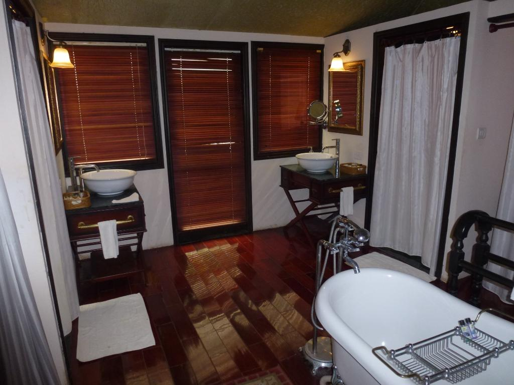 tuli-tiger-corridor-penchwashroom