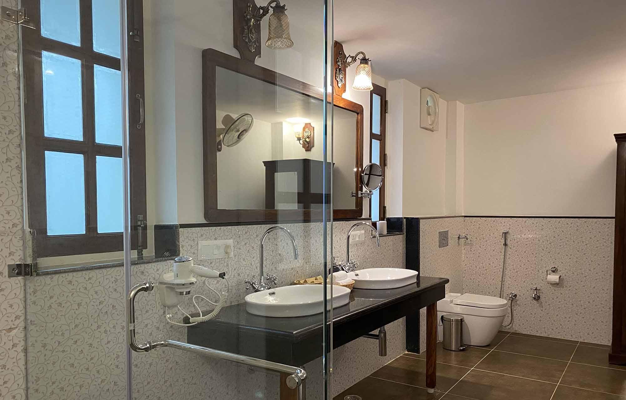 sariska safari washroom