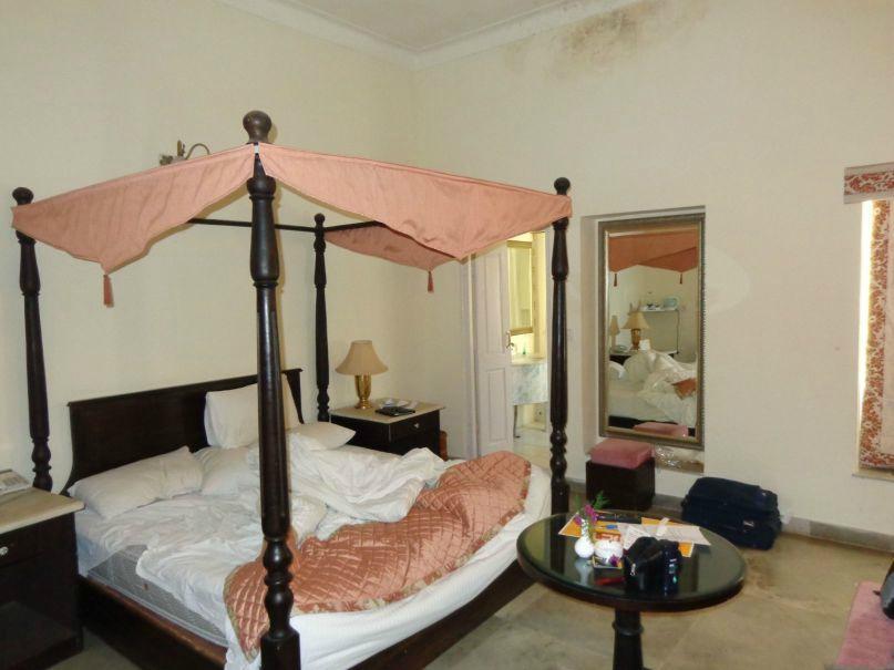 sariska hotels room