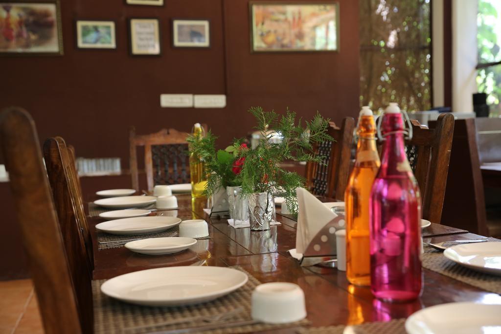 Tiger Machan Resort Dining