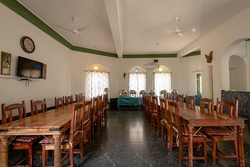 jungle camp restaurant